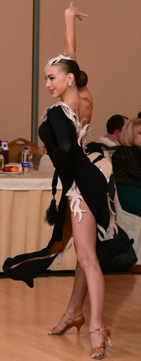 Продается латинское платье VESA